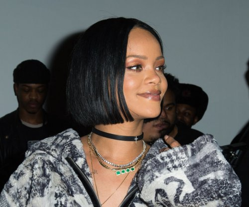 Rihanna postpones 'Anti' tour dates over alleged production issues