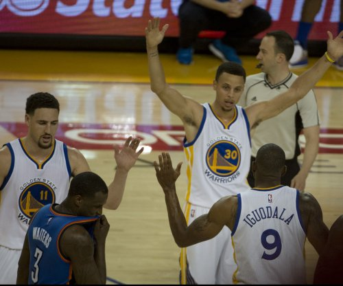 Klay Thompson, Golden State Warriors shock Oklahoma City Thunder