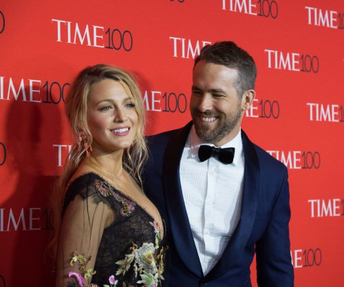 Ryan Reynolds, Blake Lively stop by 'SNL' as Melissa McCarthy hosts for the 5th time
