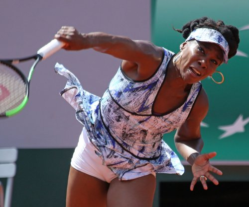 Venus Williams falls in fourth round at French Open