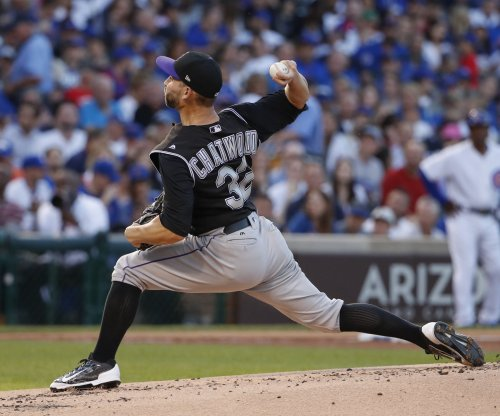 Chicago Cubs: RHP Tyler Chatwood signs three-year deal
