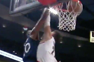 Timberwolves G Okogie dunks on Blazers 7-footer Nurkic