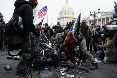 U.S., world leaders condemn Trump, Capitol 'mayhem'