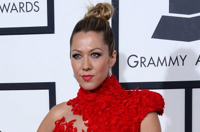 Colbie Caillat gives emotional rendition of 'Try' at Billboard event