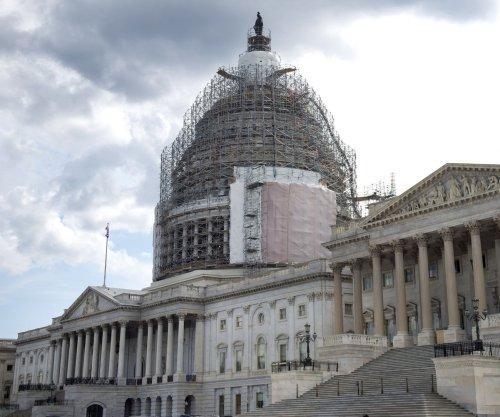 Senate approves fast-track trade bill