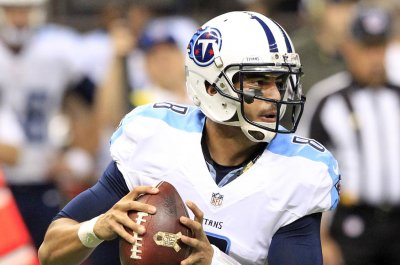 Tennessee Titans look better, but running game sputters vs. Carolina Panthers