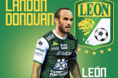 competitive price 09089 a2afb Landon Donovan unretires to play soccer in Mexico - UPI.com