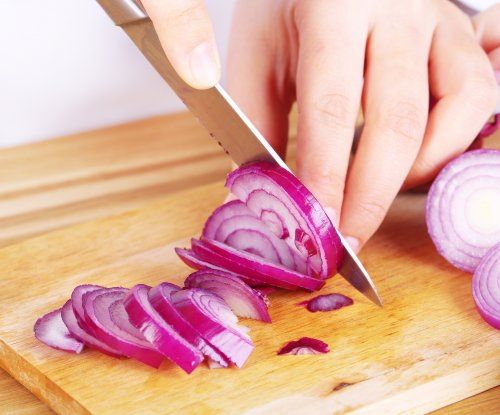 Salmonella outbreak linked to onions sickens hundreds more