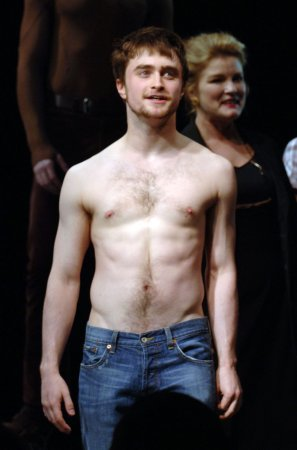 Radcliffe, Fonda up for Drama Desk Awards