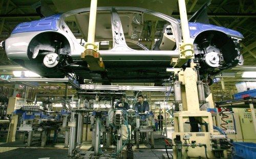 Auto sales forecasts decline