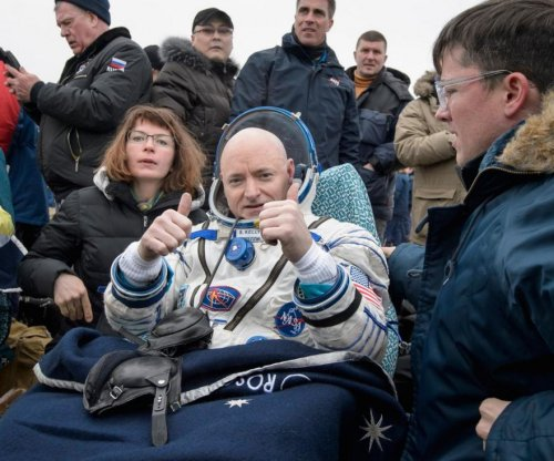 NASA astronaut Scott Kelly returns to Earth after 'year in space'