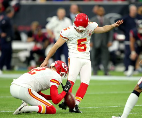 Cairo Santos: Chicago Bears sign kicker, waive Connor Barth