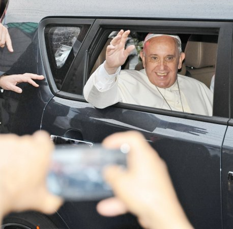 Pope Francis invites pro-gay family to address cardinals, far-right Catholics lash out