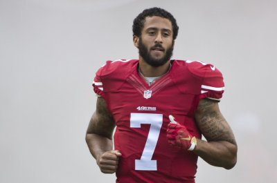 Colin Kaepernick dismisses rumors of issues with 49ers teammates