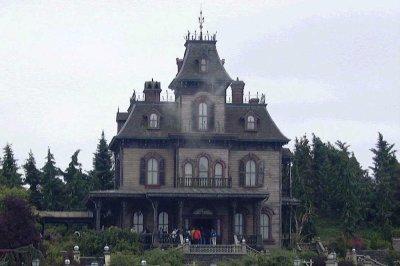 Worker found dead in Disneyland Paris haunted house