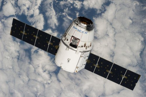 SpaceX space station docking postponed