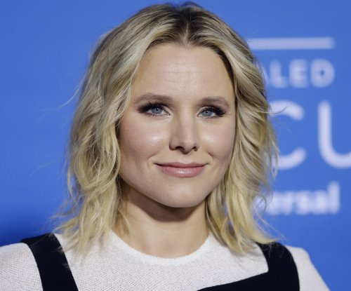 Kristen Bell records song for Netflix's 'Chasing Coral' doc