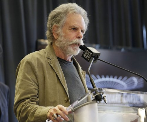 Bob Weir, Phil Lesh announce duo tour for March