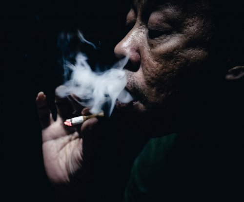 Black smokers at higher risk for heart failure than whites, study says