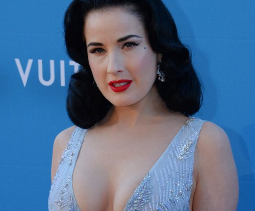 Dita Von Teese embarks on tour with 'creme-de-la-creme of burlesque'