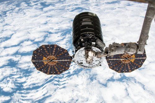 Cygnus cargo spaceship bolted to International Space Station