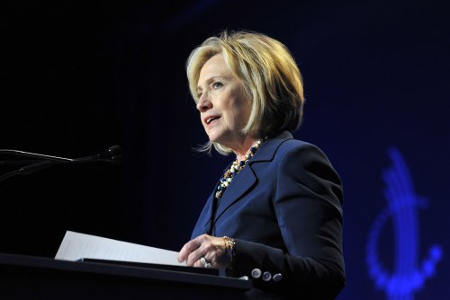 Observer: Speaking circuit gold mine for Hillary Clinton, rivals