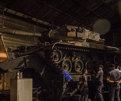 Brazilian police seek stolen cars, find two tanks