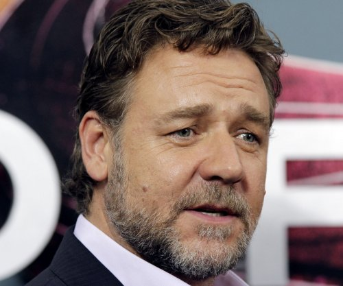 Russell Crowe says Michael Jackson used to prank call him