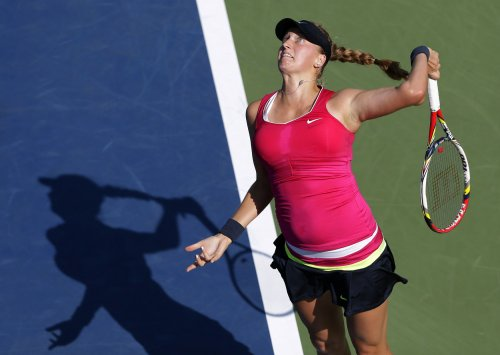 Azarenka wins, Kvitova out at China Open