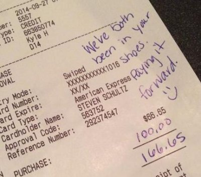 Couple leaves $100 tip for overwhelmed waiter