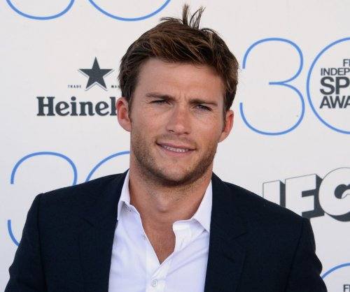 Scott Eastwood embarrassingly buys his own 'Men's Fitness' cover issue