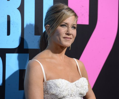 Jennifer Aniston, Jason Bateman to star in new comedy 'Significant Other'