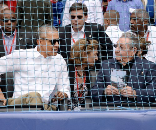 Obama, Castro on hand to watch only second MLB team to play in Cuba since 1959