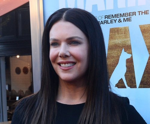 Lauren Graham reveals 'Gilmore Girls' revival title