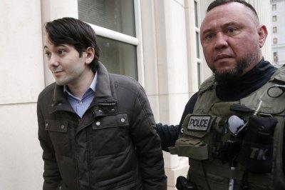 Ex pharmaceutical CEO Martin Shkreli mocks government, pleads not guilty