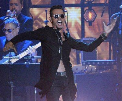 Marc Anthony to receive Latin AMAs international artist award