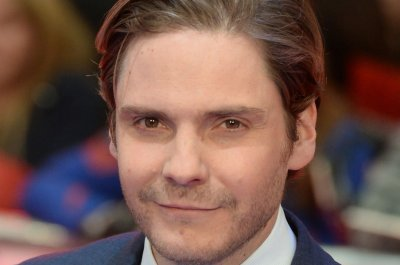 Daniel Bruhl: 'Alienist' is set in 1897, but feels 'incredibly current'