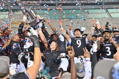 Guaranteed Rate Bowl, Birmingham Bowl off; Army replaces Tennessee in Liberty Bowl