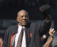 Willie Mays wins Baseball Digest's Lifetime Achievement Award
