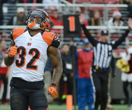 Cincinnati Bengals clinch playoffs with win at San Francisco