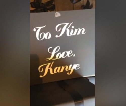 Kanye West gives Kim Kardashian 150 Christmas presents
