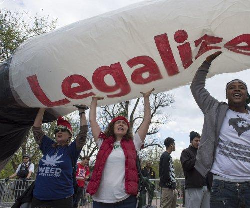 Alaska's first marijuana retailer opens to throngs of customers