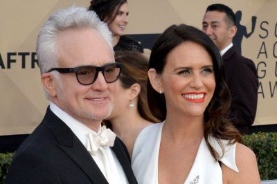 Bradley Whitford marries 'Transparent' star Amy Landecker