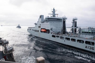Naval vessels from U.S., Britain, Norway train together in Arctic Ocean
