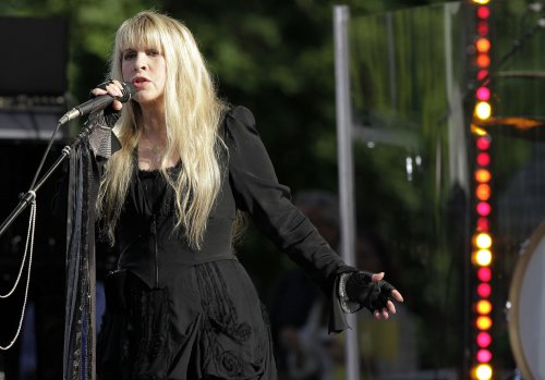 Fleetwood Mac announces 2013 concert tour