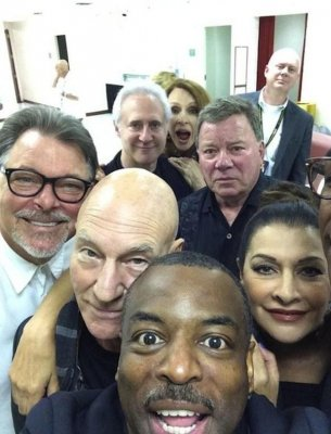 Super Star Trek selfie features Next Gen cast and grumpy Shatner
