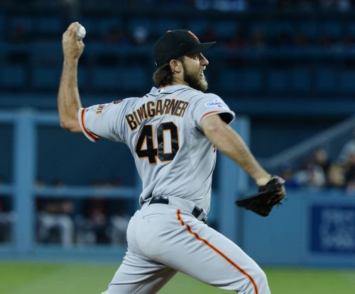 Madison Bumgarner one-hits Arizona D-backs as San Francisco Giants cap sweep