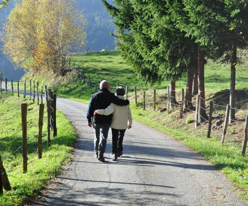 Small study suggests daily walk may protect health of aging brain