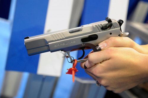 Oregon bans firearms for domestic abusers