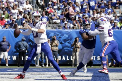 Buffalo Bills agree to three-year deal with OL Quinton Spain